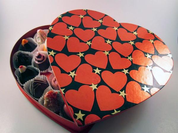 Valentines-Day-Chocolate-Heart-Box-2
