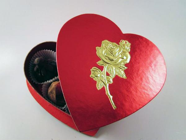 Valentines-Day-Chocolate-Heart-Box-4